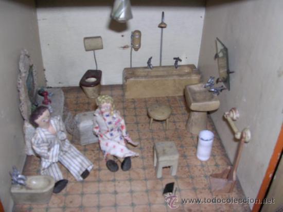 Casas de Muñecas: CASA DE MUÑECAS,AÑOS 20 COMPLETA CON MUÑECAS Y MOBILIARIO TODO DE EPOCA,VER FOTOGRAFIAS ADICIONALES. - Foto 30 - 21741984