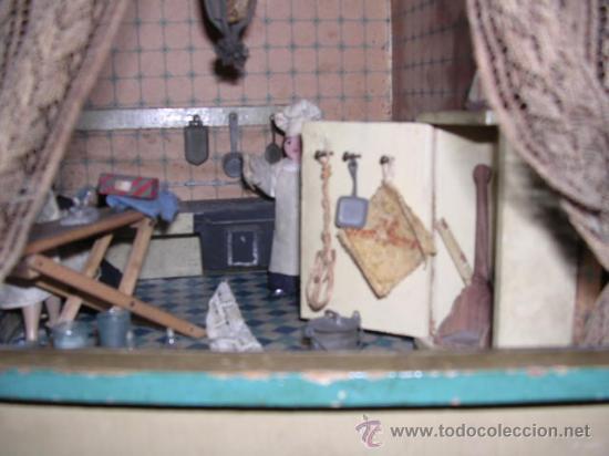 Casas de Muñecas: CASA DE MUÑECAS,AÑOS 20 COMPLETA CON MUÑECAS Y MOBILIARIO TODO DE EPOCA,VER FOTOGRAFIAS ADICIONALES. - Foto 35 - 21741984