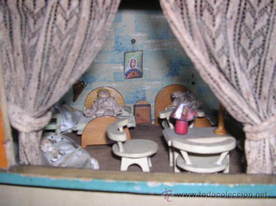 Casas de Muñecas: CASA DE MUÑECAS,AÑOS 20 COMPLETA CON MUÑECAS Y MOBILIARIO TODO DE EPOCA,VER FOTOGRAFIAS ADICIONALES. - Foto 36 - 21741984