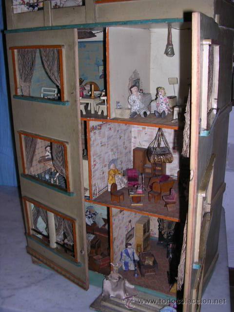 Casas de Muñecas: CASA DE MUÑECAS,AÑOS 20 COMPLETA CON MUÑECAS Y MOBILIARIO TODO DE EPOCA,VER FOTOGRAFIAS ADICIONALES. - Foto 39 - 21741984