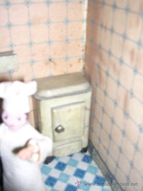 Casas de Muñecas: CASA DE MUÑECAS,AÑOS 20 COMPLETA CON MUÑECAS Y MOBILIARIO TODO DE EPOCA,VER FOTOGRAFIAS ADICIONALES. - Foto 41 - 21741984