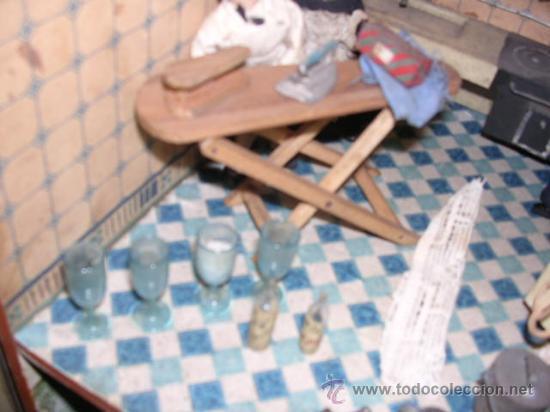 Casas de Muñecas: CASA DE MUÑECAS,AÑOS 20 COMPLETA CON MUÑECAS Y MOBILIARIO TODO DE EPOCA,VER FOTOGRAFIAS ADICIONALES. - Foto 43 - 21741984