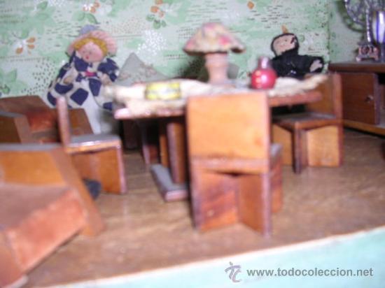 Casas de Muñecas: CASA DE MUÑECAS,AÑOS 20 COMPLETA CON MUÑECAS Y MOBILIARIO TODO DE EPOCA,VER FOTOGRAFIAS ADICIONALES. - Foto 45 - 21741984