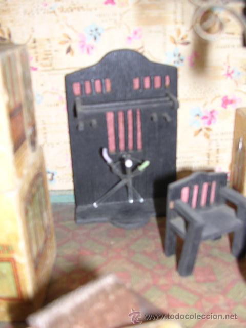 Casas de Muñecas: CASA DE MUÑECAS,AÑOS 20 COMPLETA CON MUÑECAS Y MOBILIARIO TODO DE EPOCA,VER FOTOGRAFIAS ADICIONALES. - Foto 47 - 21741984