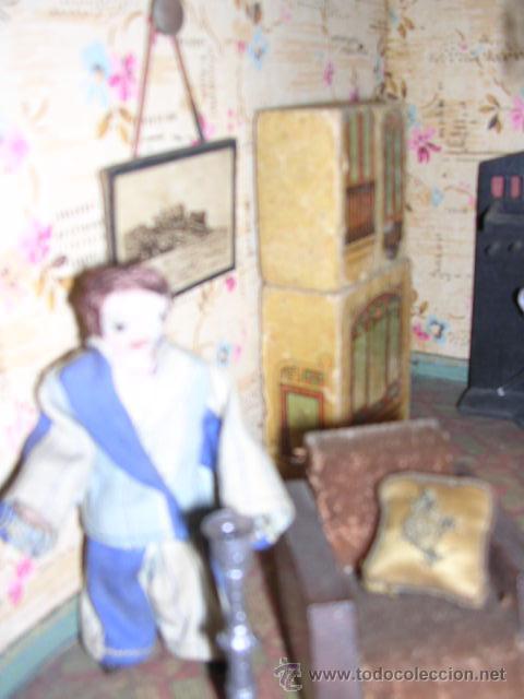 Casas de Muñecas: CASA DE MUÑECAS,AÑOS 20 COMPLETA CON MUÑECAS Y MOBILIARIO TODO DE EPOCA,VER FOTOGRAFIAS ADICIONALES. - Foto 48 - 21741984