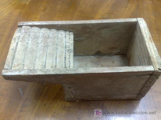 antigua pila de lavar ropa de juguete de madera comprar