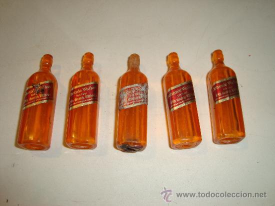 MINI BOTELLAS DE PLASTICO JOHNNY WALKER (Juguetes - Casas de Muñecas, mobiliarios y complementos)