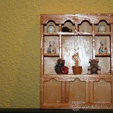 Casas de Muñecas: MUEBLE DE MADERA PARA CASA DE MUÑECAS. Lote 27986923