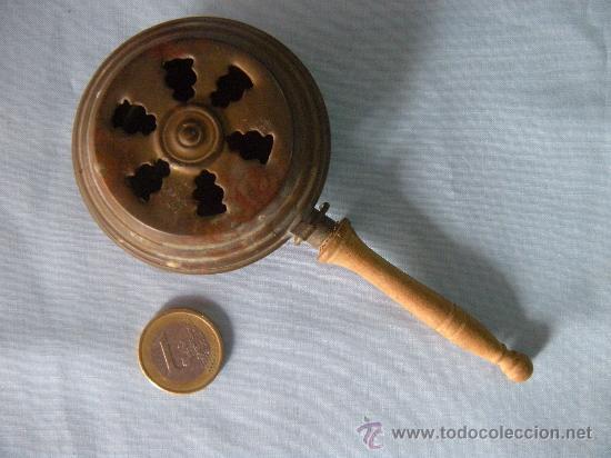 ANTIGUO CALIENTACAMAS CASA DE MUÑECAS (Juguetes - Casas de Muñecas, mobiliarios y complementos)
