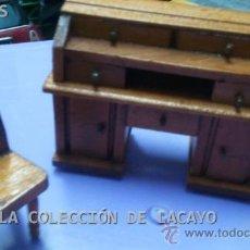 Casas de Muñecas: MUEBLE ESCRITORIO CON SILLA PARA SALON O SALITA CASA DE MUÑECAS. Lote 32704380
