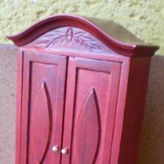 Casas de Muñecas: ARMARIO DE MADERA TAMAÑO CASA DE MUÑECAS. Lote 39246104