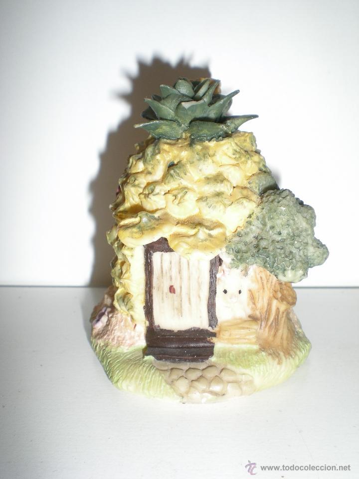 Casas de Muñecas: preciosa casita en miniatura piedra artificial es una piña hecha casita con un conejito años 90 - Foto 3 - 39306048