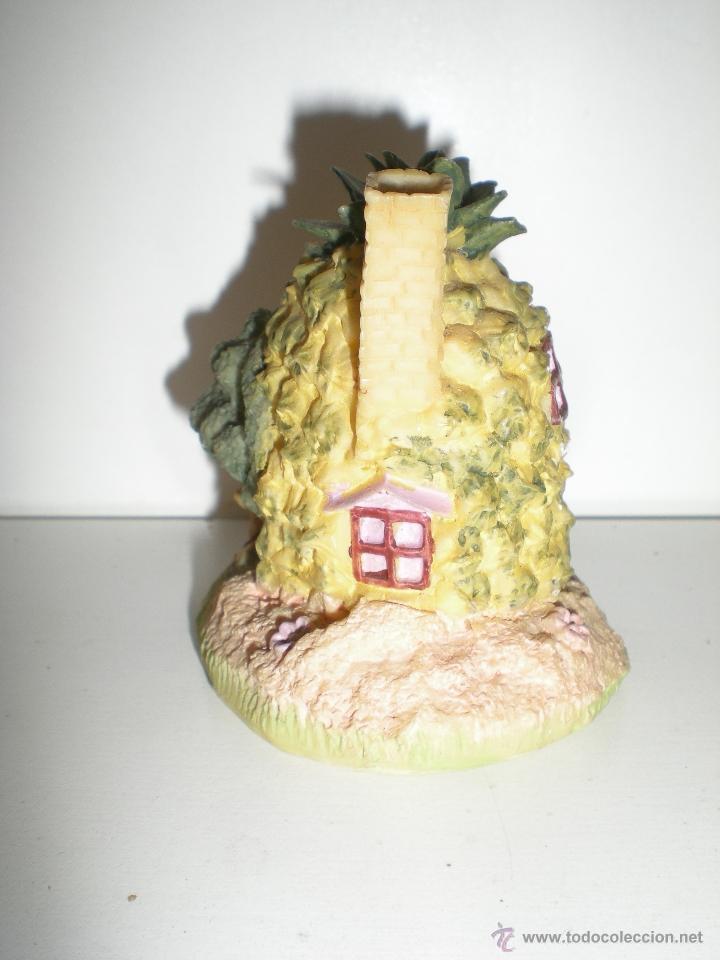 Casas de Muñecas: preciosa casita en miniatura piedra artificial es una piña hecha casita con un conejito años 90 - Foto 4 - 39306048