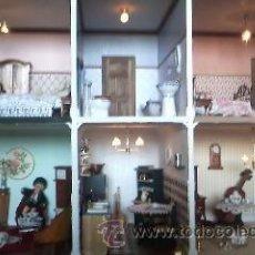 Casas de Muñecas: ESPECTACULAR CASA DE MUÑECAS,COMPLETA NO LE FALTA DETALLE,CON LUCES FUNCIONANDO. AÑOS 70. VER FOTOS. Lote 39779710