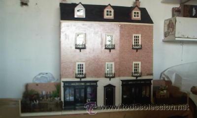 Casas de Muñecas: Espectacular casa de muñecas,completa no le falta detalle,con luces funcionando. Años 70. Ver fotos - Foto 2 - 39779710