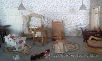 Casas de Muñecas: Espectacular casa de muñecas,completa no le falta detalle,con luces funcionando. Años 70. Ver fotos - Foto 15 - 39779710