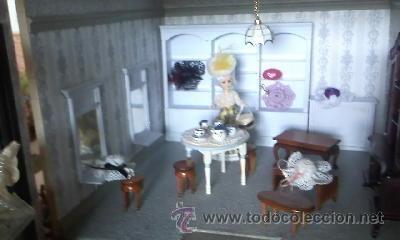 Casas de Muñecas: Espectacular casa de muñecas,completa no le falta detalle,con luces funcionando. Años 70. Ver fotos - Foto 25 - 39779710