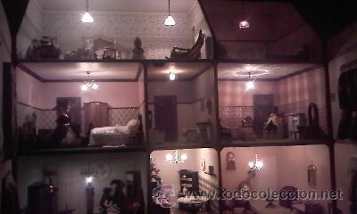 Casas de Muñecas: Espectacular casa de muñecas,completa no le falta detalle,con luces funcionando. Años 70. Ver fotos - Foto 39 - 39779710