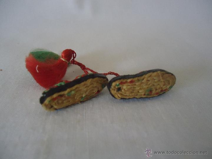 Casas de Muñecas: Antiguas alpargatas en miniatura -para casa de muñecas. Esparteñas miniatura - Foto 3 - 42310956