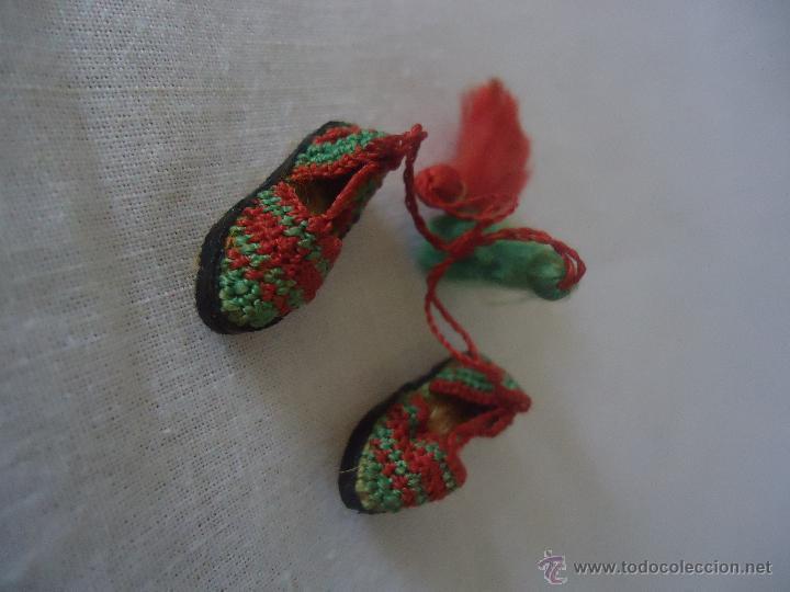 Casas de Muñecas: Antiguas alpargatas en miniatura -para casa de muñecas. Esparteñas miniatura - Foto 5 - 42310956