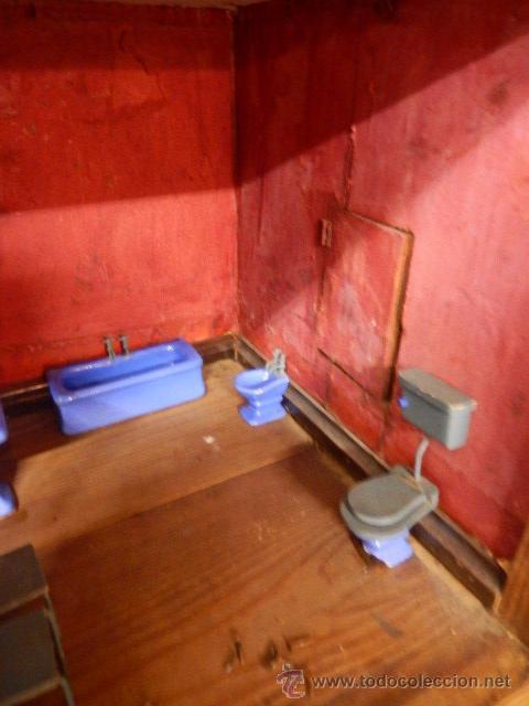 Casas de Muñecas: Casa de muñecas. Juguete antiguo. Siglo XIX / XX. Con accesorios - Foto 29 - 48619082