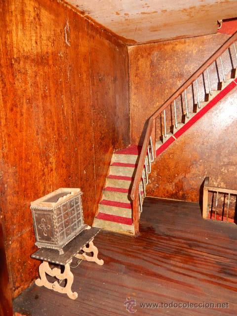 Casas de Muñecas: Casa de muñecas. Juguete antiguo. Siglo XIX / XX. Con accesorios - Foto 61 - 48619082