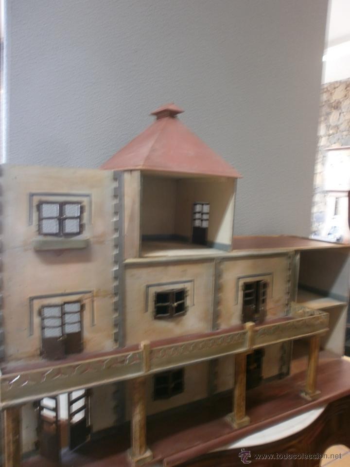 Casas de Muñecas: Antigua casa de muñecas-de madera-años 20- estilo colonial con torreón-contiene algunos muebles. - Foto 5 - 49287001