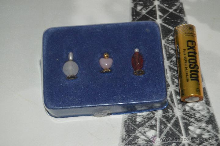 Casas de Muñecas: lote de perfumes accesorios de casa de muñecas en su cajita muebles de muñecas - Foto 2 - 51301097
