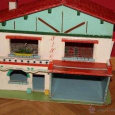 Casas de Muñecas: PRECIOSA CASA DE MUÑECAS AÑOS 50 JUGUETES DE DENIA DE MADERA Y LUZ. Lote 51680013