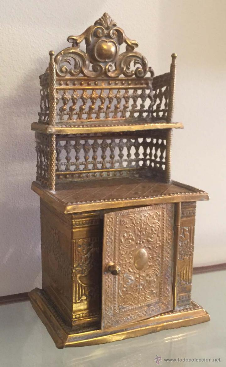 Casas de Muñecas: Antique miniature dollhouse furniture German Erhard & Söhne Ormolu Sideboard with gallerie shelf and - Foto 2 - 54571652