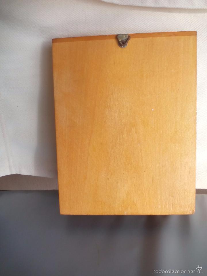 interesting casas de muecas mueble de madera vitrina o alacena con tazas jarras with mueble casa