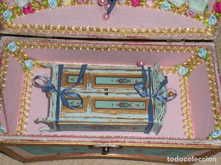 Casas de Muñecas: CASA DE MUÑECAS, CAJA CON MUÑECA Y ARMARIO VICTORIANO ESCALA 1/12 , MUÑECA VICTORIANA, JUGUETE - Foto 8 - 70041533