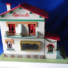 Casas de Muñecas: ** ANTIGUA CASA DE MUÑECAS DE DENIA. CAPERUCITA CON INSTALACION ELECTRICA **. Lote 74850903