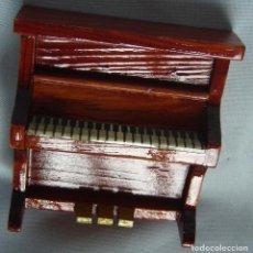 Casas de Muñecas: PIANO. Lote 80147249
