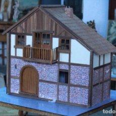 Casas de Muñecas: PRECIOSA CASA DE MUÑECAS ESTILO RÚSTICO. SIN MUEBLES. . Lote 81538852