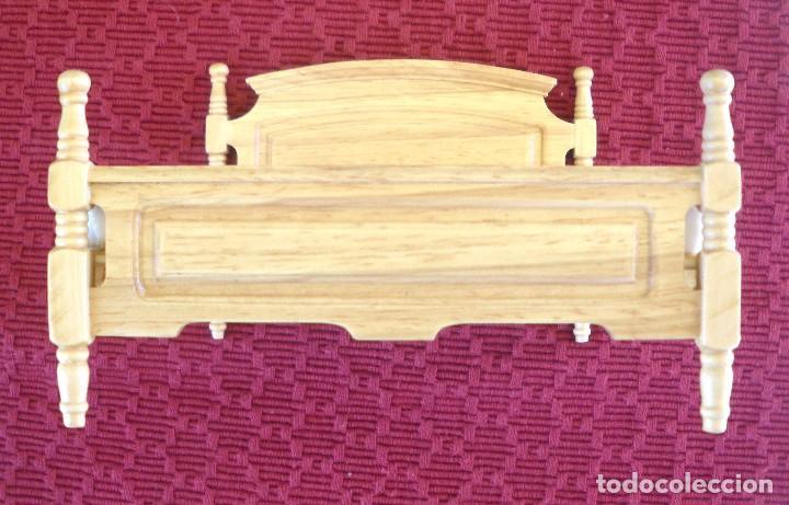Casas de Muñecas: Cama de matrimonio en madera en perfecto estado. - Foto 2 - 96133899
