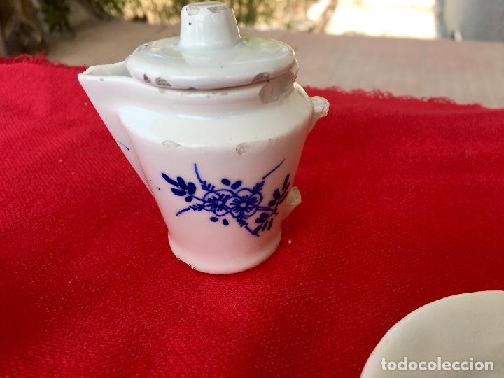 Casas de Muñecas: Vajilla porcelana tetera casa de muñecas pintada a mano 1940 2 servilletas de hilo panera y lechera - Foto 9 - 97366711