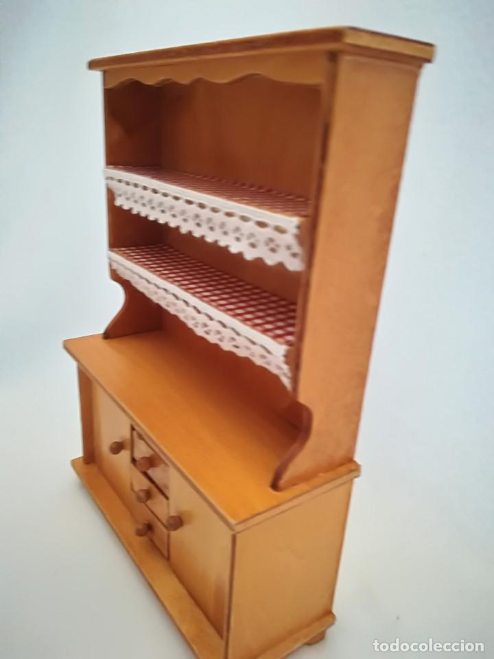 Casas de Muñecas: Alacena de salón en madera y sillon imitación forja. Miniatura. Casita de muñecas - Foto 3 - 98018651