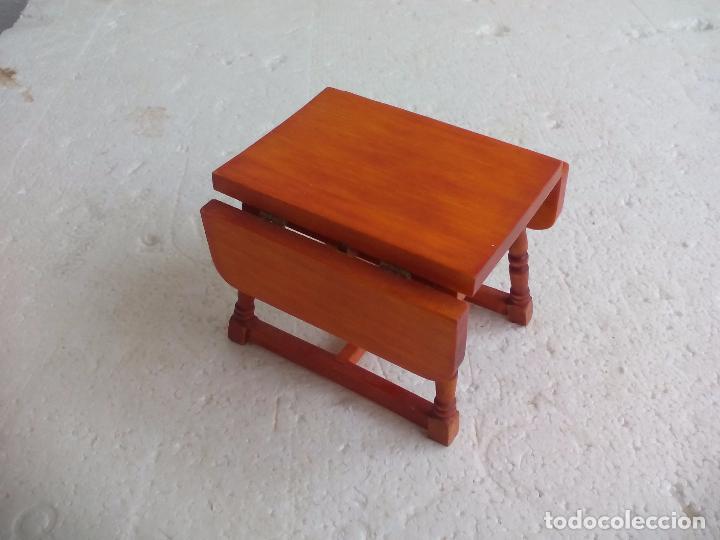 Mesa de cocina o comedor plegable o abatible, de madera. Miniatura para  casa de muñecas. Dollhouse
