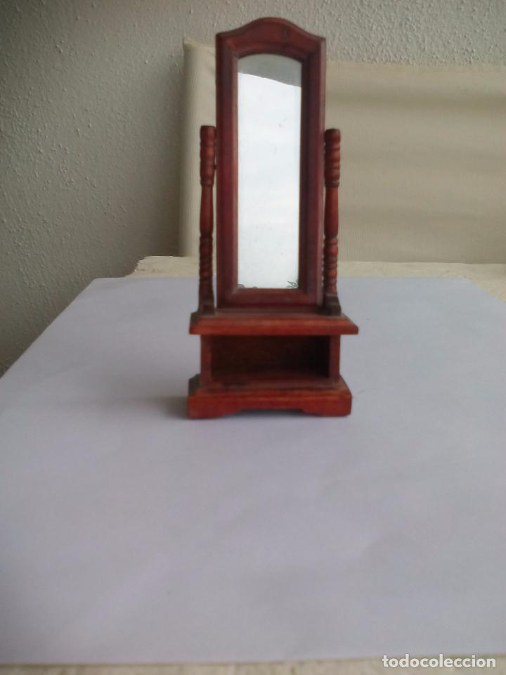 Mueble espejo abatible para dormitorio de made comprar for Mueble para zapatos con espejo