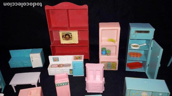 Casas de Muñecas: lote de cocinitas, dormitorio y salón para muñecas. - Foto 3 - 99458783