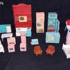Casas de Muñecas - lote de cocinitas, dormitorio y salón para muñecas. - 99458783
