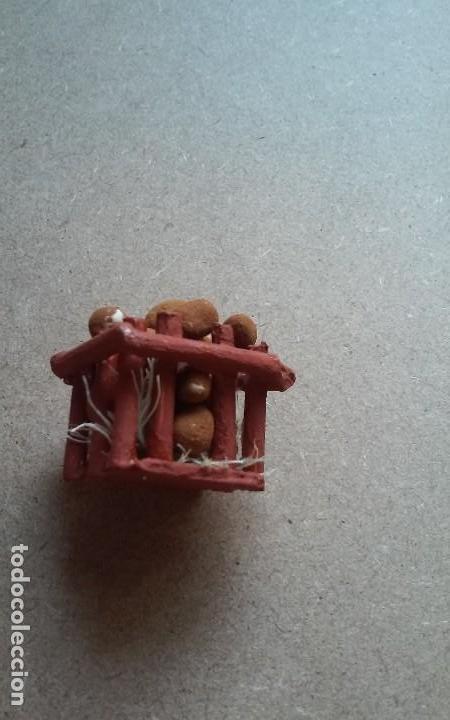 Casas de Muñecas: Miniatura casa de muñecas o diorama de mercado, caja de patatas - Foto 3 - 109166091