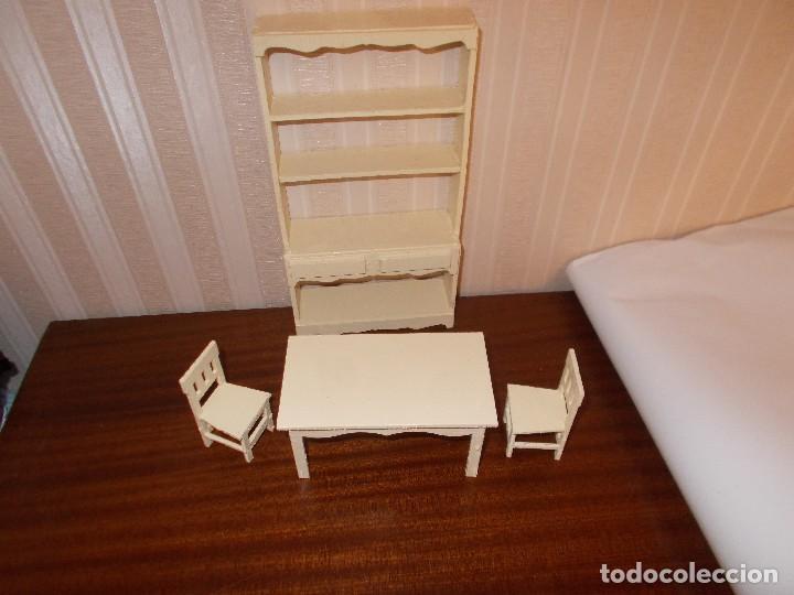 Lote muebles para casa de muñecas ,son de madera ,muebles cocina