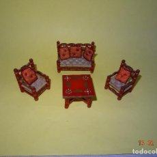 Casas de Muñecas: ANTIGUO CONJUNTO DE TRESILLO CON COJINES DE CASA DE MUÑECAS . Lote 112572687