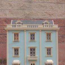 Casas de Muñecas: IMPRESIONARTE GRAN CASA DE MUÑECAS DE MADERAS ESTILO VICTORIANO AÑOS 70-80 PIEZA DE COLECCIÓN . Lote 112836911