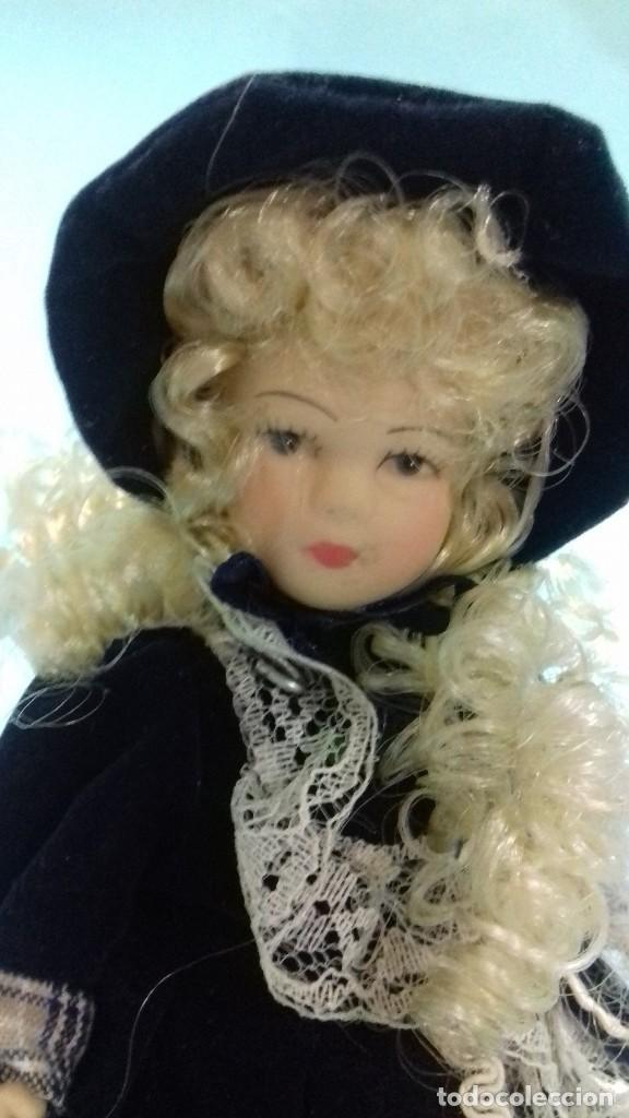 Mu U00f1equita Victoriana De Porcelana Con Soporte