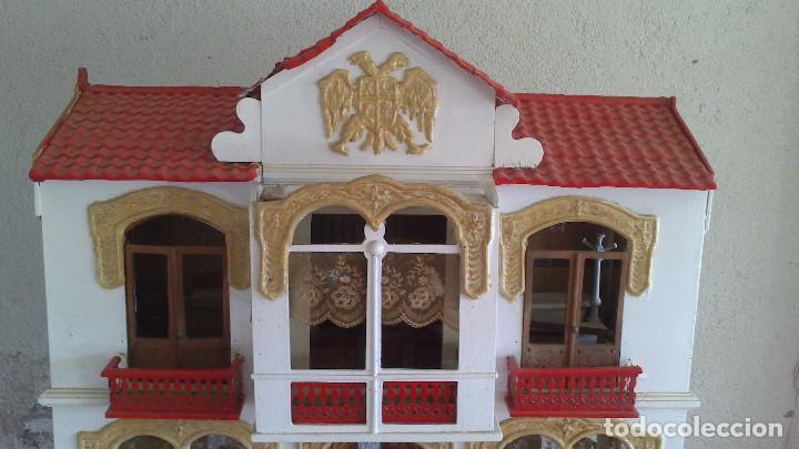 Casas de Muñecas: Casa de muñecas con mobiliario original, años 30/40. 77x51x79cm - Foto 5 - 115860559