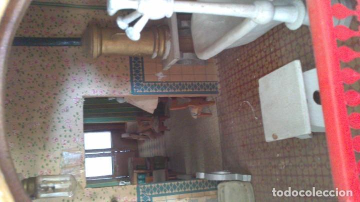 Casas de Muñecas: Casa de muñecas con mobiliario original, años 30/40. 77x51x79cm - Foto 14 - 115860559