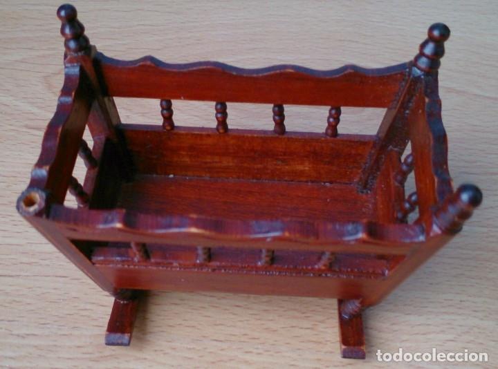 Casas de Muñecas: Cuna de madera miniatura - Foto 3 - 120228351